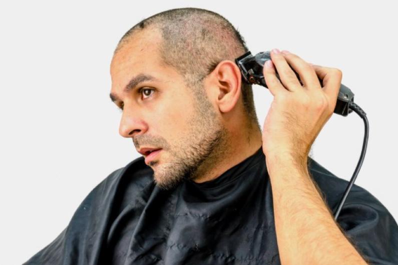 ¿Afeitarse la cabeza?